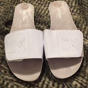 Calvin Klein white patent leather sandals NWOB Sz6